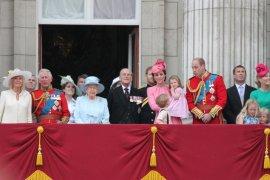 Ratu Elizabeth batalkan semua rencana perjalanan