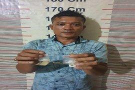 Saat berada dalam kamar, Polisi Stabat Langkat tangkap pemilik narkotika