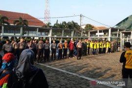 Pemkot Bogor dan Polresta kerja bakti di Stasiun Bogor cegah COVID-19