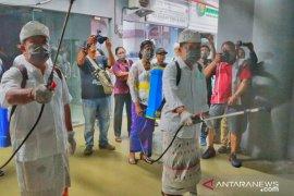 Pemkot Denpasar lakukan penyemprotan desinfektan di pusat keramaian