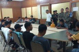 22 remaja diduga akan tawuran diamankan Satpol PP