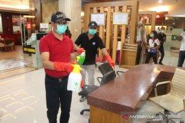Pemkab Badung semprotkan desinfektan cegah COVID 19
