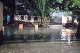 Banjir luapan Sungai Ciliwung rendam 17 RW di Jakarta Timur selasa pagi