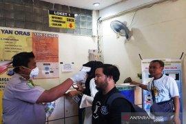 Polresta Banjarmasin lakukan penyemprotan disinfektan pada pelayanan publik