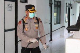 Polres Tapteng, TNI, Dinkes lakukan aksi bersih-bersih cegah penyebaran corona