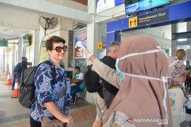 Tingkatkan pemeriksaan wisatawan Asing