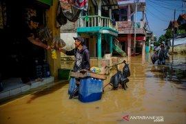 Banjir dengan ketinggian air hingga 250 cm rendam ribuan rumah di Baleendah Bandung