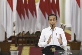 Presiden Jokowi ingatkan ekspor masker  dihentikan