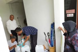 Cara Risma lawan COVID-19 di Surabaya