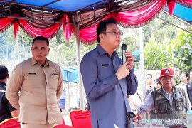 Bupati Bangka Barat: Tunda kunjungan ke luar daerah