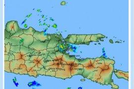 BMKG prediksi potensi hujan deras di sejumlah wilayah Jatim tiga hari mendatang