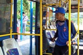 Cegah corona, T erminal Bus Banda Aceh disemprot disinfektan