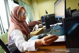 Disdukcapil Bogor distribuskan 1.853 KTP lewat Kantor Pos