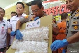 Polresta Denpasar tangkap sepasang kekasih pengedar 21.040 pil koplo