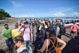 Akses masuk tiga gili ditutup untuk turis asing
