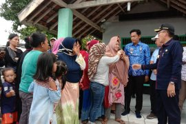 Bupati Lampung Timur dengar keluhan nelayan tolak tambang pasir laut Page 2 Small