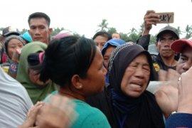 Bupati Lampung Timur dengar keluhan nelayan tolak tambang pasir laut Page 3 Small
