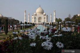 Taj Mahal kembali dibuka, pengunjung wajib kenakan masker