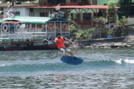 75 peserta beraksi di Kejurnas Poldasu Water Ski di Parapat