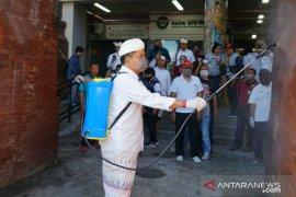 Jelang Nyepi,  Pemkot Denpasar lakukan penyemprotan cairan disinfektan