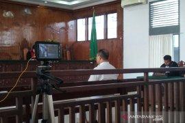 Dosen Unsyiah dituntut tiga bulan penjara karena pencemaran nama baik