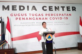 Pemerintah minta masyarakat tenang dan waspada hadapi COVID-19