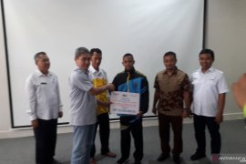 PT Timah salurkan bantuan pembinaan atlet gulat Bangka Barat