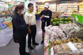 Stok pangan di Karawang aman
