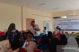 """PNM ajari """"emak-ema"""" Solear Tangerang pemasaran online"""