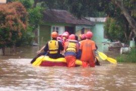 Tidak hujan tetapi sejumlah wilayah Depok terendam banjir