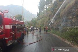 Kebakaran lahan terjadi di pegunungan tepi Danau Lut Tawar