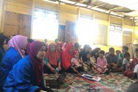 Mahasiswa UIN Ar-Raniry edukasi masyarakat Aceh Tengah cegah corona