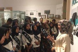 Remaja Finalis Duta Baca Jabar 2020 kunjungi produsen vaksin nasional