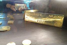 Harga emas Antam stagnan Rp924.000/gram