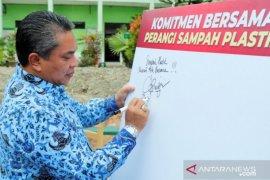 Wali kota Banjarbaru mendorong program sekolah bebas plastik