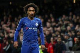Chelsea izinkan penyerangnya. Willian mudik ke Brasil