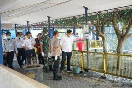 Pemkot Kediri intensifkan penyemprotan disinfektan pada fasilitas umum