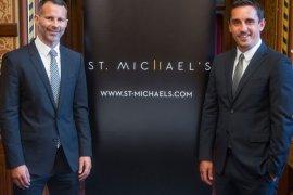 Neville dan Giggs gratiskan hotelnya untuk staf kesehatan