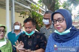 Bupati Bogor instruksikan jemput keluarga pasien positif COVID-19