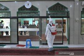Pemkot lakukan safari bersih masjid  Page 3 Small