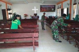 TNI peduli kebersihan tempat ibadah