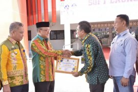 PT Adaro terima penghargaan atas kontribusinya dalam percepatan pembangunan
