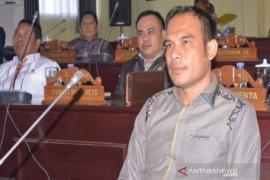 Ketua DPRD Kalsel minta apotek tidak menimbun masker