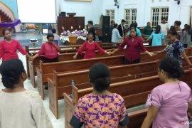 Gereja Katolik di Teluk Wondama hentikan sementara ibadah Misa