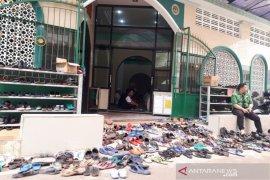 Sejumlah masjid di Jakarta tetap laksanakan shalat Jumat
