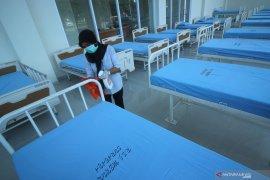 Jubir pemerintah Achmad Yurianto: positif COVID-19 tanpa gejala bisa isolasi di rumah