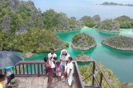 Bupati : Wisatawan mulai kunjungi Raja Ampat