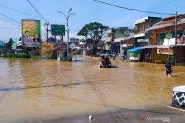 Banjir terjang Bandung dengan ketinggian air hingga 2,5 meter, ribuan rumah terendam