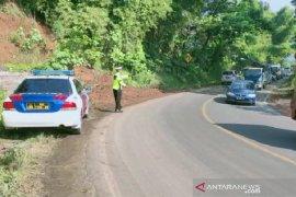 Jalan Raya Bandung-Garut kembali lancar setelah diterjang longsor