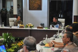 Mendagri hadiri rakor penanggulangan COVID-19 di Palembang Page 3 Small